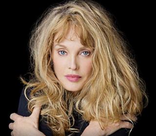 Arielle Dombasle (Chanteuse)